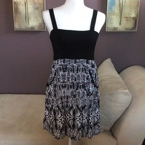 EUC Eight Sixty Pocketed Dress